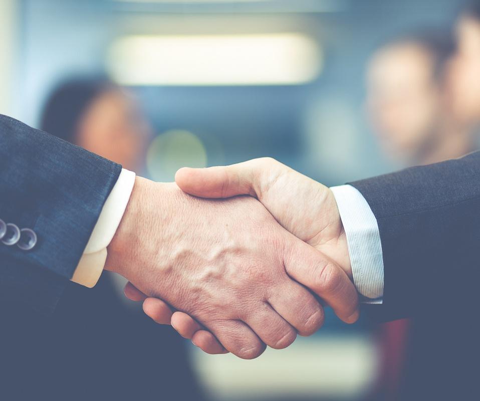 Progress_Coaching-shake_hands.jpg